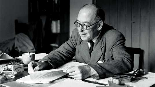 3 Tips from C.S. Lewis on Blogging and Tweeting